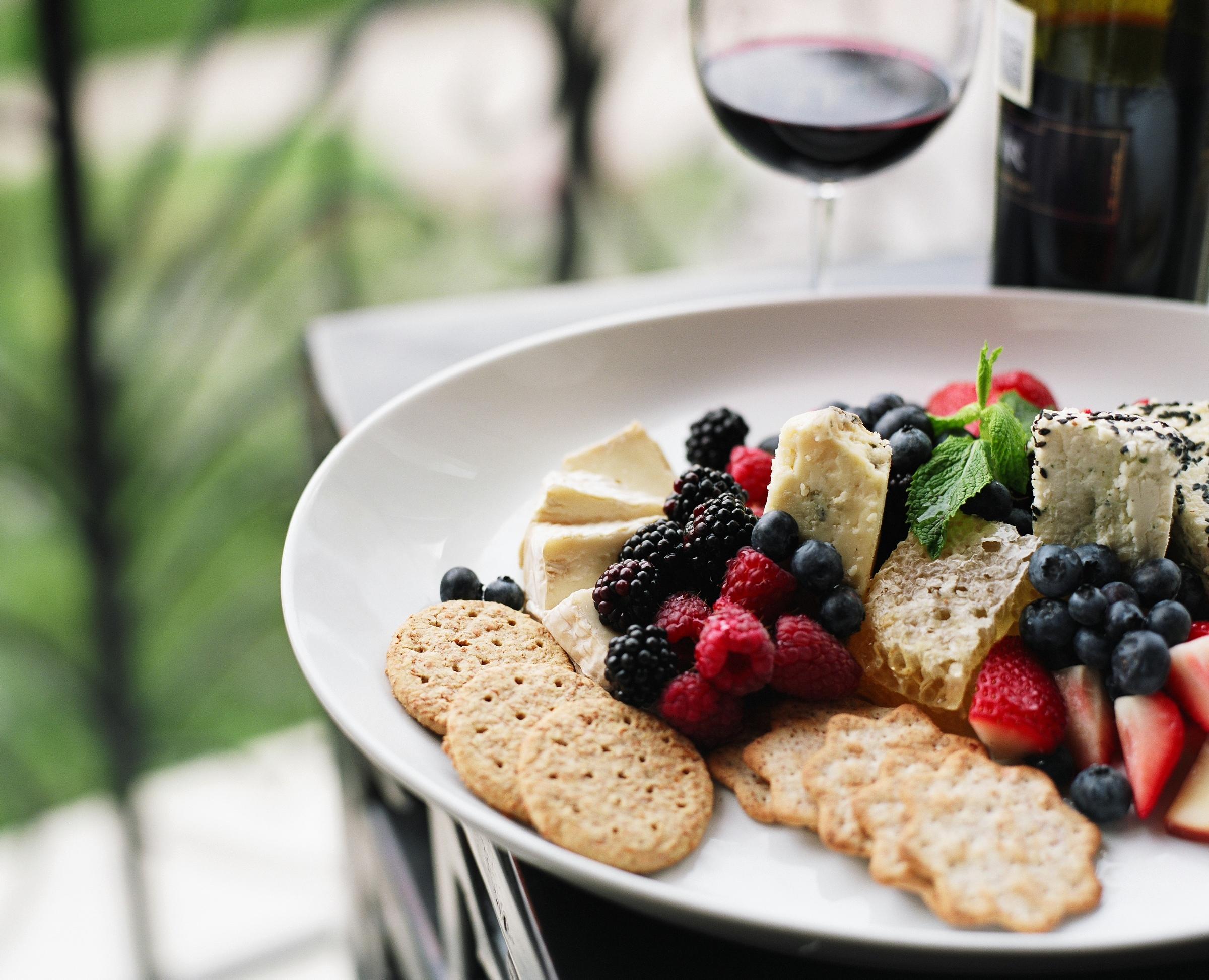 wine and cheese_p_15MB_2838271.jpg