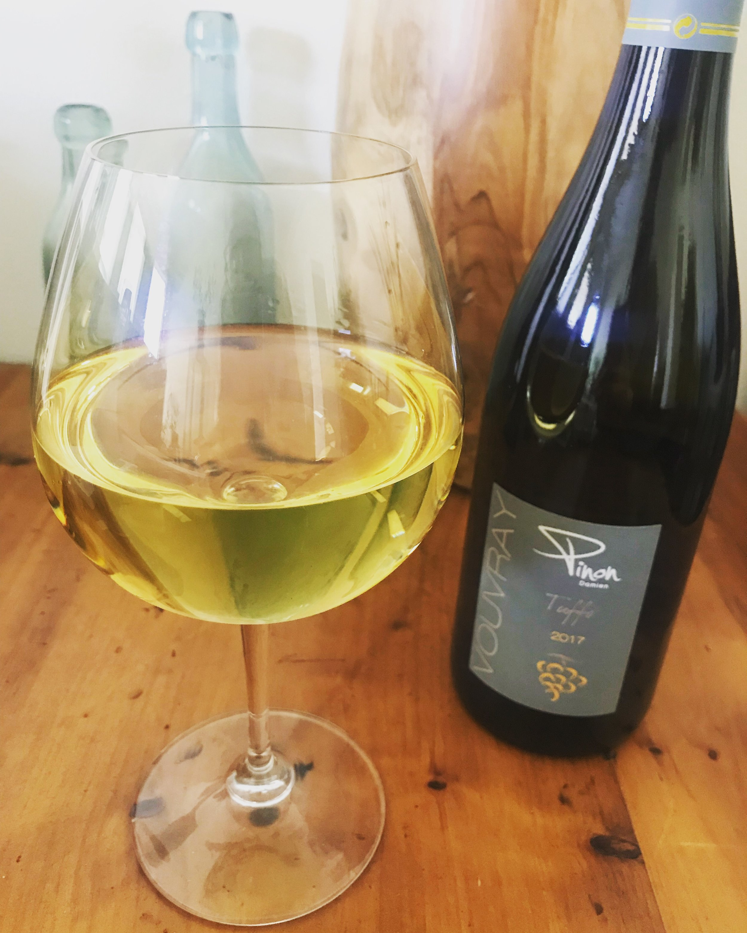 BY: Maia Fleming  @wwwmaia   Who makes it:  Damien Pinon   Where:  Vouvray   What is it:  Chenin Blanc   How is it made:  Practicing, non-certified organic since 2007, indigenous yeast