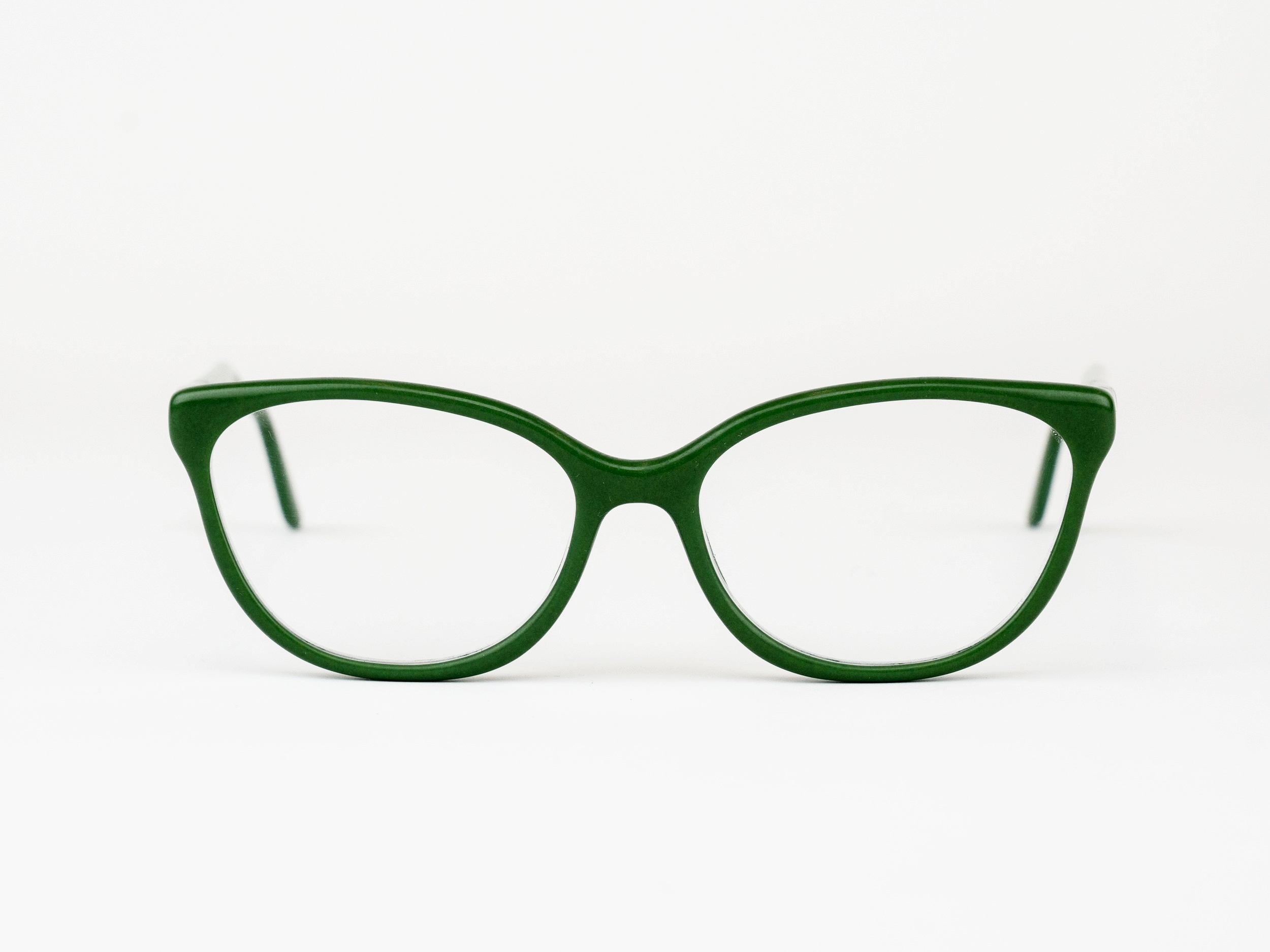 Woolf - For those who write their own story. The Woolf is a classic cateye inspired by the enduring author.Available in any color or pattern that your heart desires.