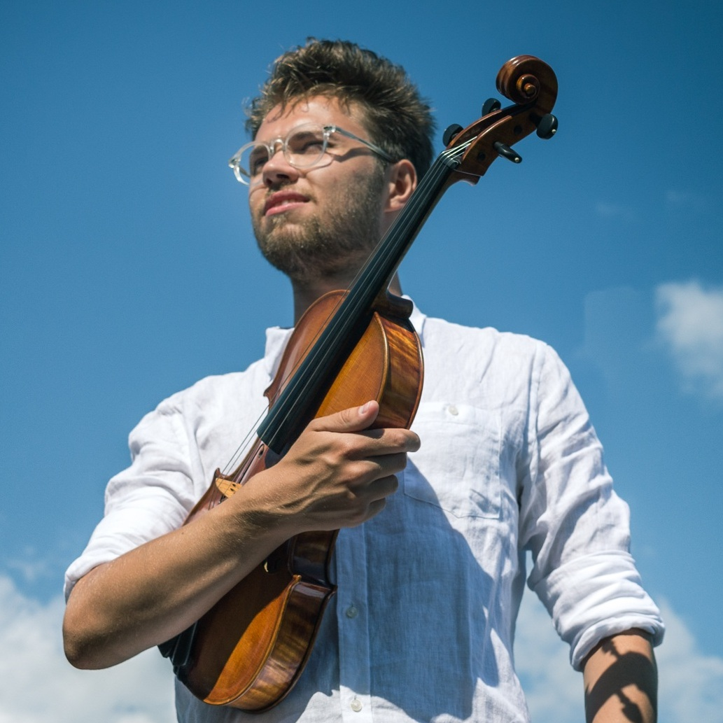 Max Nyman, producer/viola *