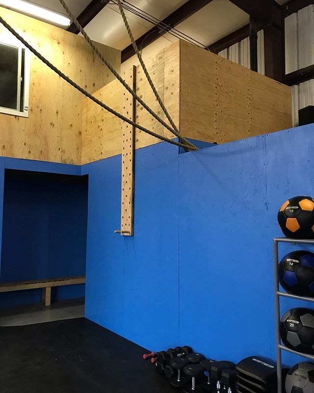 Here are some of the renovations we made to the gym! We added some new equipment, such as a large selection of dumbbells, 2 echo bikes, and slam balls. We have 2 peg boards mounted to the walls. We have a bench available for those who come in to change their shoes. We created a storage room for easier access to equipment, which also creates more wall space for our wall ball rack. We reengineered the gymnastic ring set up. The children's room and bathroom were also both painted and reorganized. We did all this with our members in mind, and really considered what makes it the best experience for those who come to our gym! If you haven't checked it out yet, what are you waiting for?! 😊🏋️♀️🏋️♂️ #CFVS #crossfitvalleysprings #crossfit