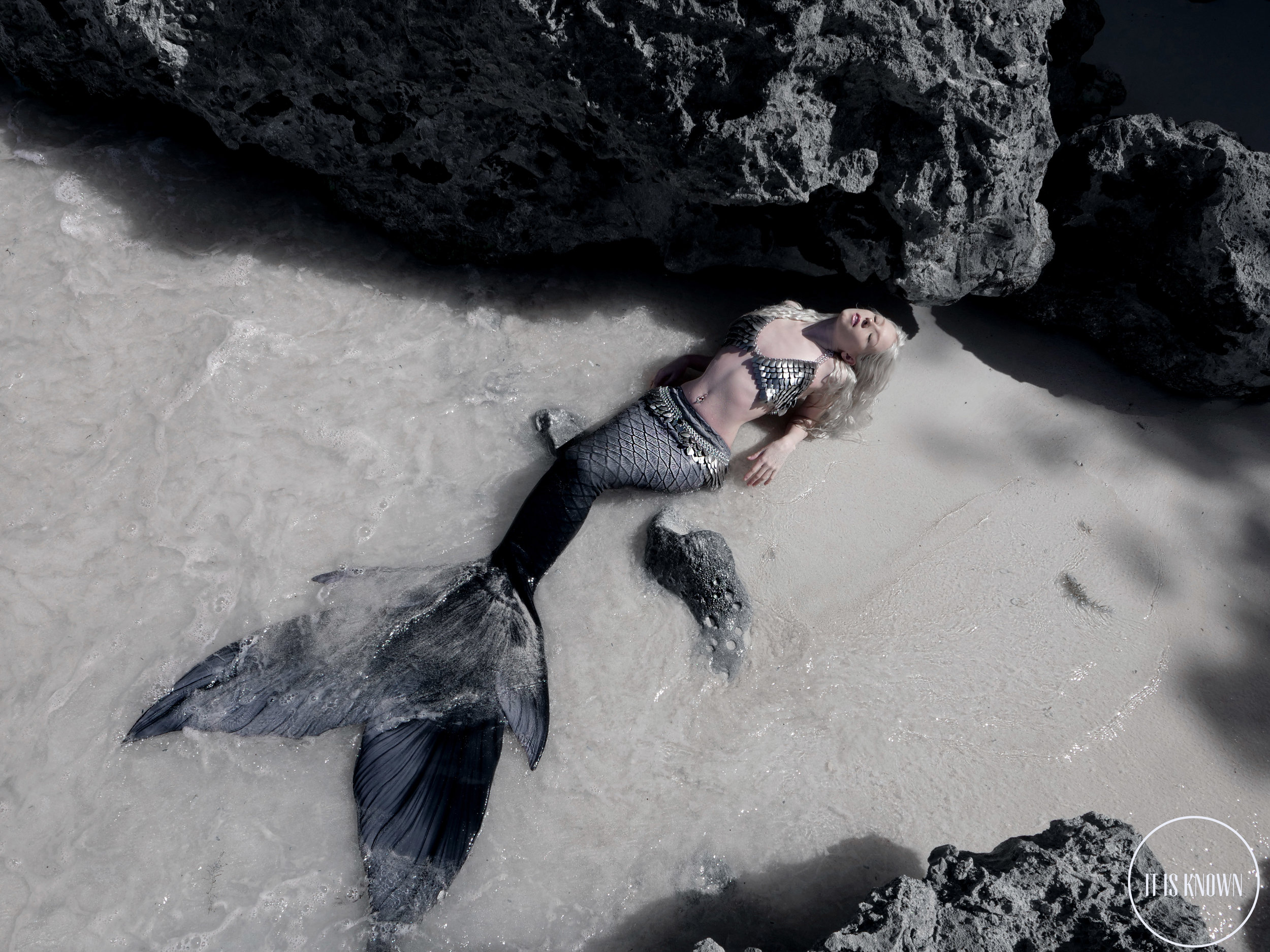 Erika Rodgers (https://www.youtube.com/c/erikarodgers1) in Barbados  Mermaid tail: https://www.finfolkproductions.com/ with scalemaille bra and belt by It Is Known