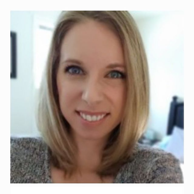 "This week's WhatRDsDo.com interview features Sheridan Stringer RD, LDN @eatyourbeets_rd. She works in inpatient & outpatient settings. . . Her areas of practice & passions include gut health & diabetes, but also helping people stick to their goals or the changes they've made. . . ""We can't go home with clients at the end of the day and it is ultimately their decision to make changes in what they are doing."" . . Read her full interview for tips, daily/weekly tasks, why she became a dietitian & more on her career (link 👆🏻) . . *New interviews are posted every Tuesday - check out the archive & get inspired! Comment👇🏻with a suggested dietitian for an upcoming interview & add to 190+ international ones already in the series! #WhatRDsDo #whatdietitiansdo  #dietitian #dietician #rd #rdn #ld #apd #rd2b #rdtobe #dietitiantobe #dieteticinternship #rd2be #dieteticintern #dieteticstudent #interview #career #clinicalnutrition #privatepractice #futuredietitian"