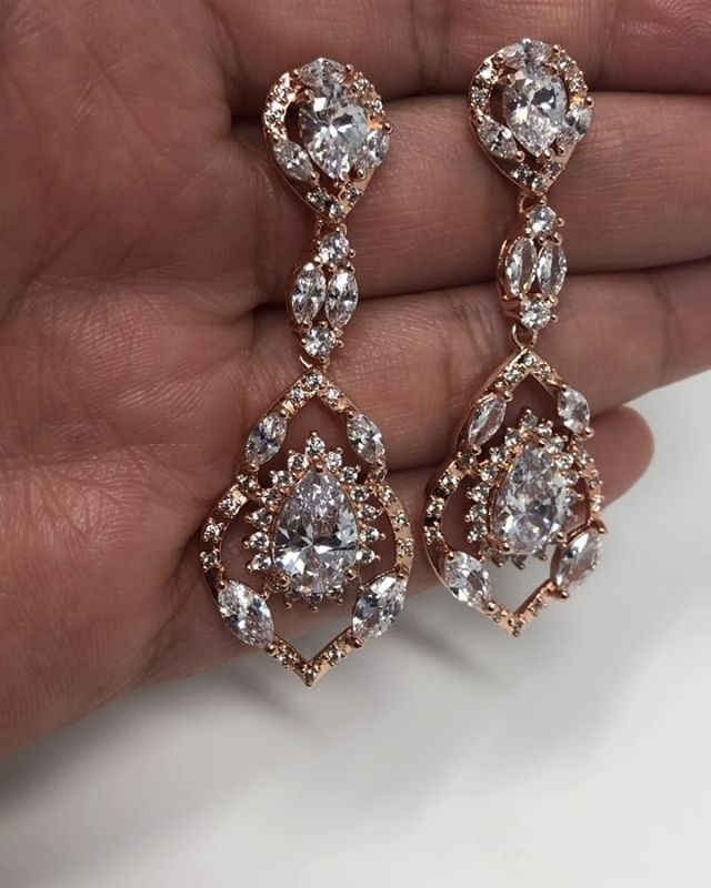 Breathtaking Makenzie Dangle Earrings ✨#engagementring #weddingphotographer #engagementphotos #wedding #wedding #weddingphotography #isaidyes #isaidyestothedress #weddingdress #bride #bridallook #weddinginspo #weddinginspiration #pinterestinspired #engaged #weddingplanner #shesaidyes #bridalparty #weddinghair #weddingmakeup #beyonce #doesthisringmakemelookengaged