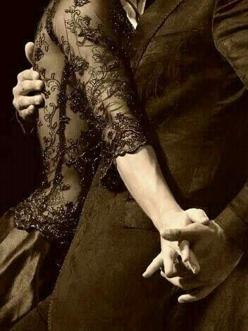 tango b&w.jpg