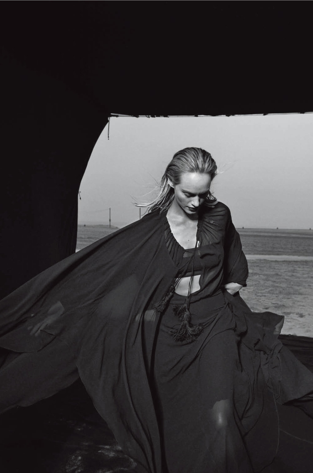 AmberValletta-VogueItalia-Feb13-PeterLindbergh_15.jpg