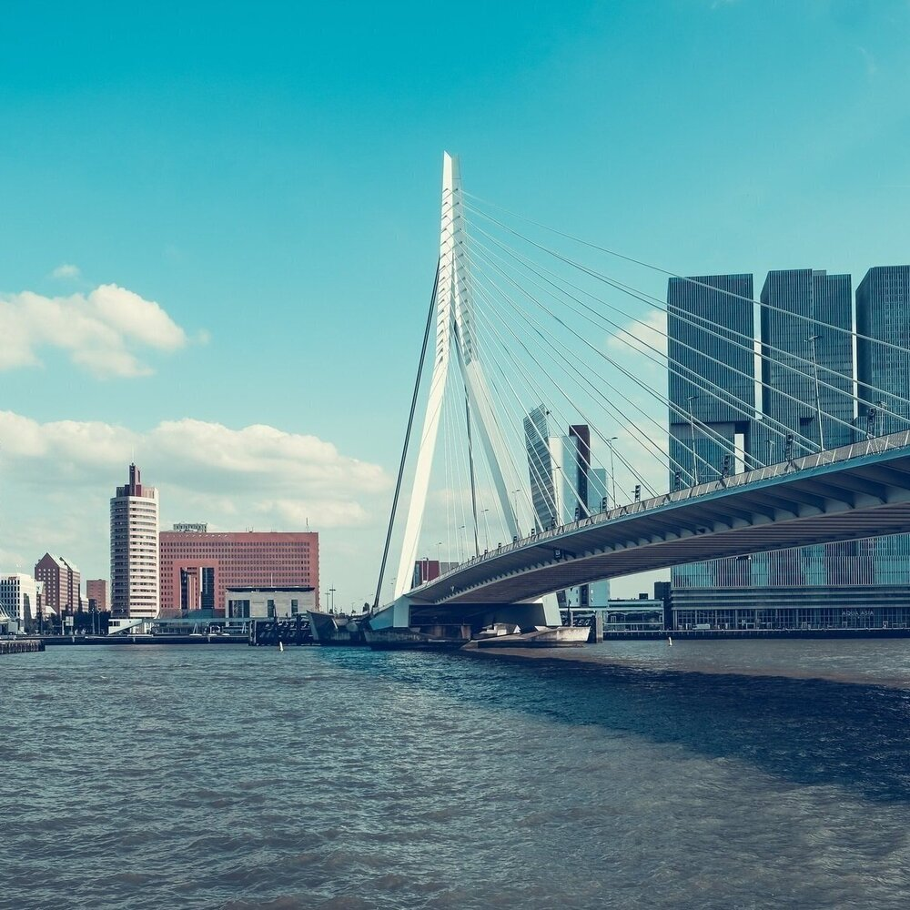 Visitors & mobility in the city of Rotterdam   At the 'Verkeersonderneming' in we work on an analysis of visitors to the city to optimise their travel experience and keep the city moving in a sustainable way.