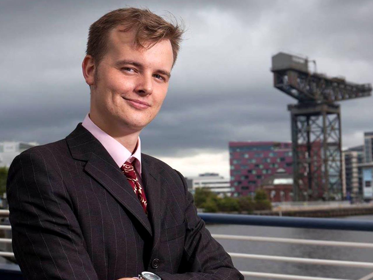 Mitch Hunter-Scullion - Fondateur et CEO, Asteroid Mining Corporation LTD.