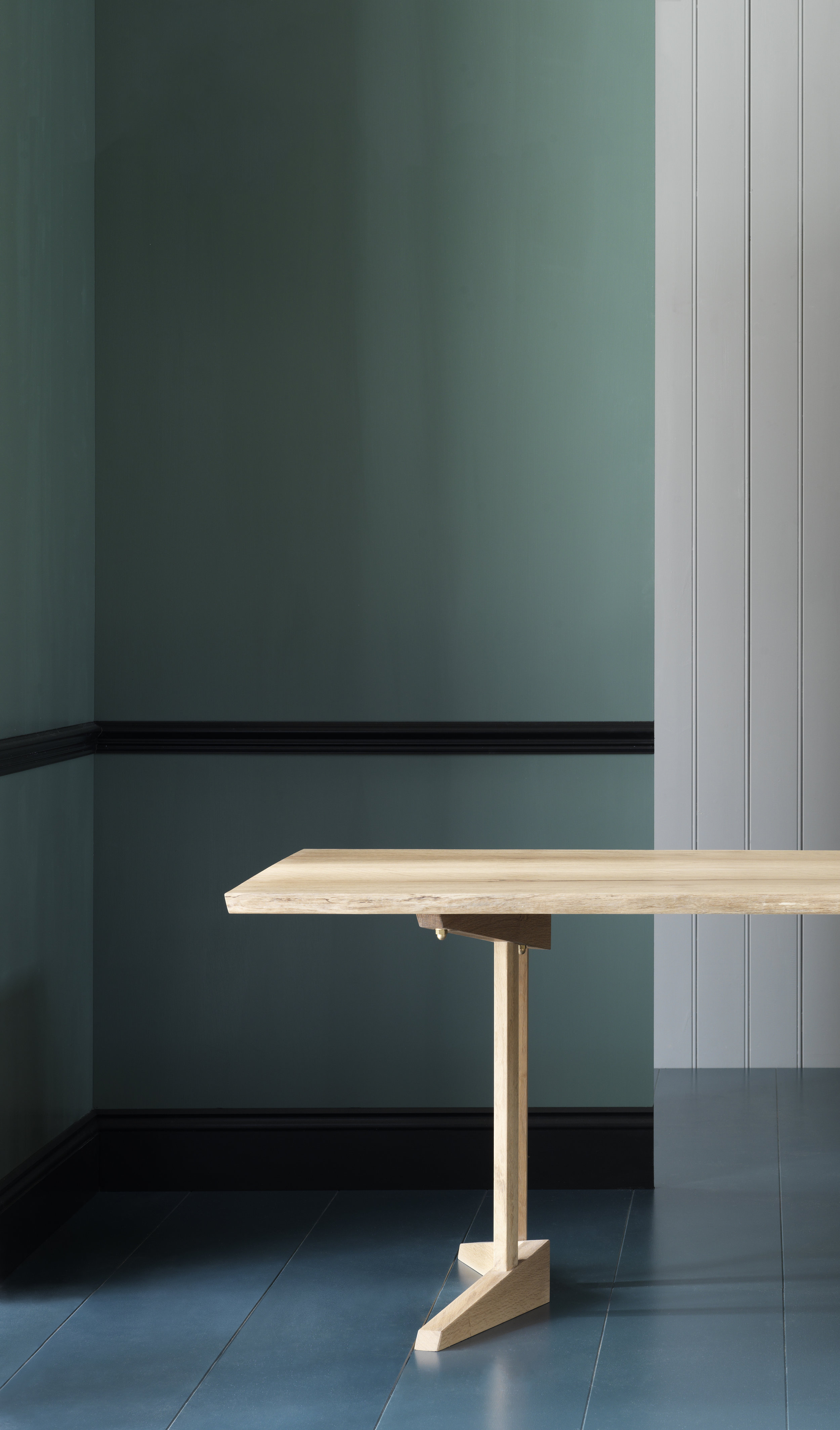 Waney Edge Pointer Table -