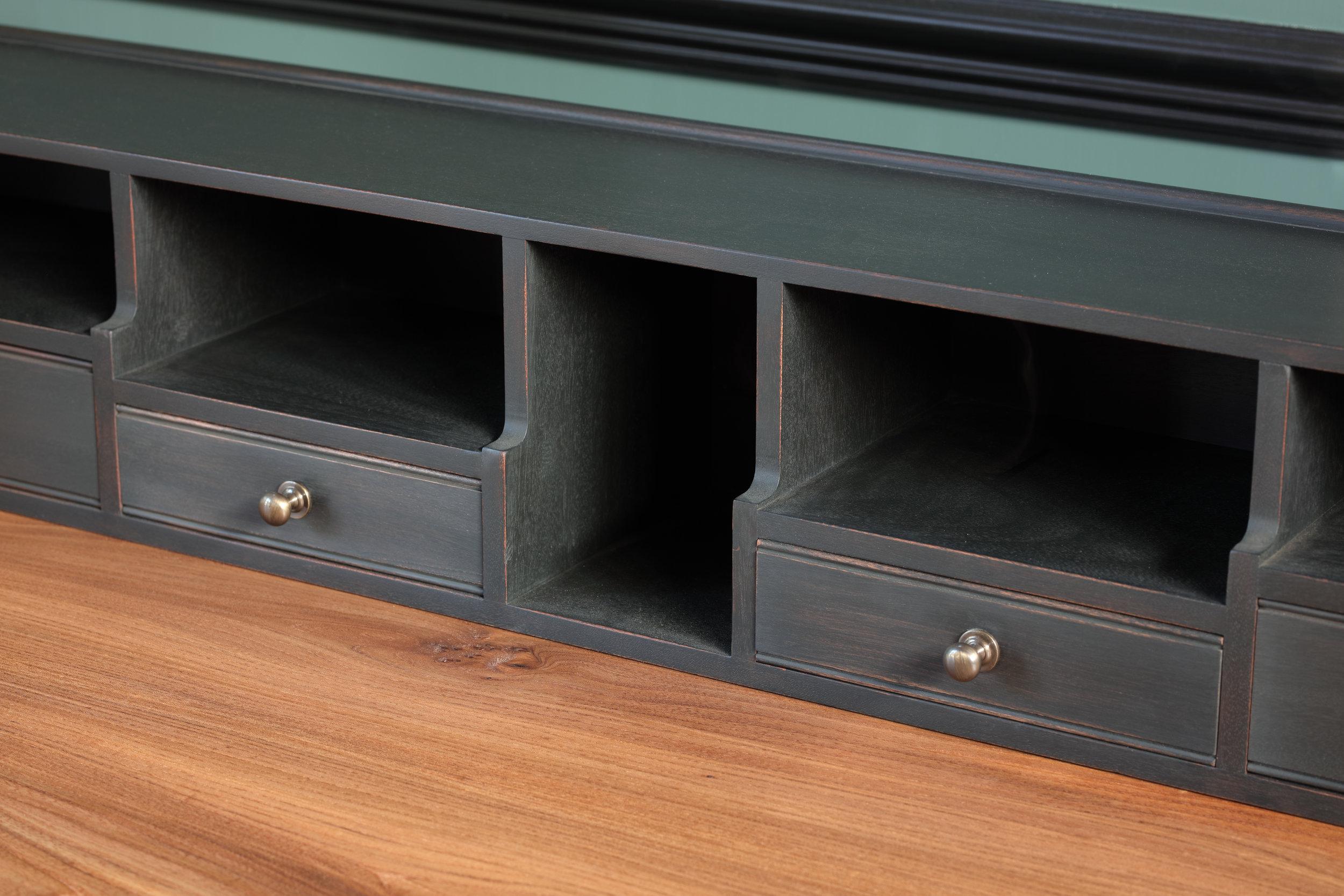 Pidgeon Hole Writing Desk _02.jpg