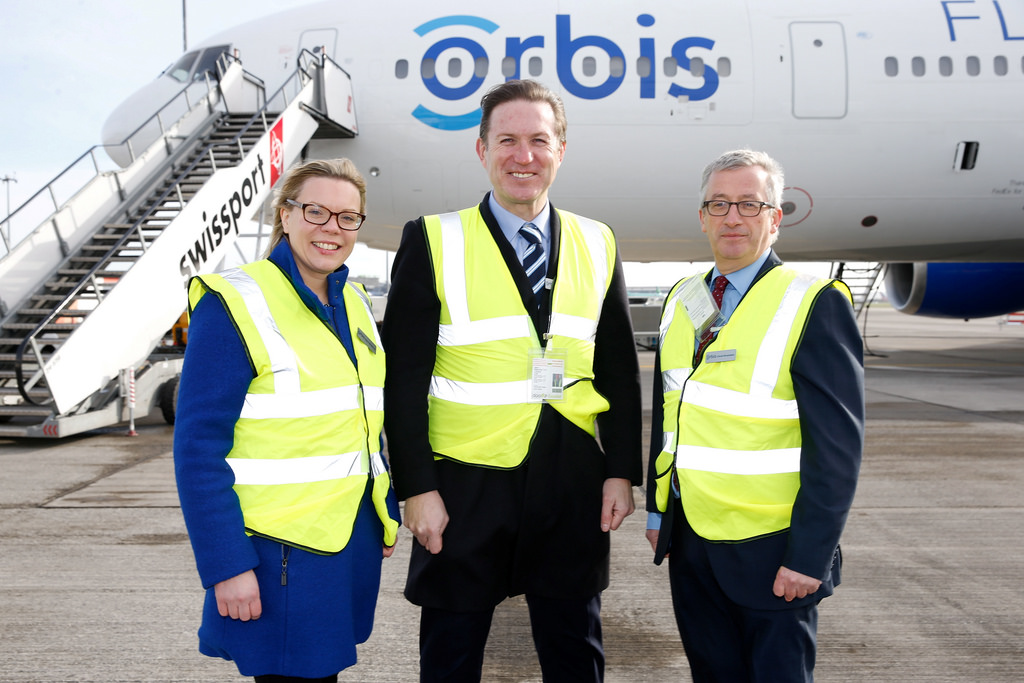 Diane (left) is pictured with Maurice Cox Chairman, Orbis Ireland and Donal Brosnahan, Volunteer Faculty, Orbis.