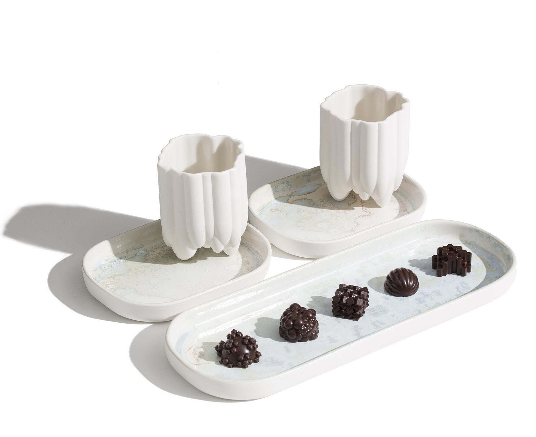 Ceramic set with chocolates