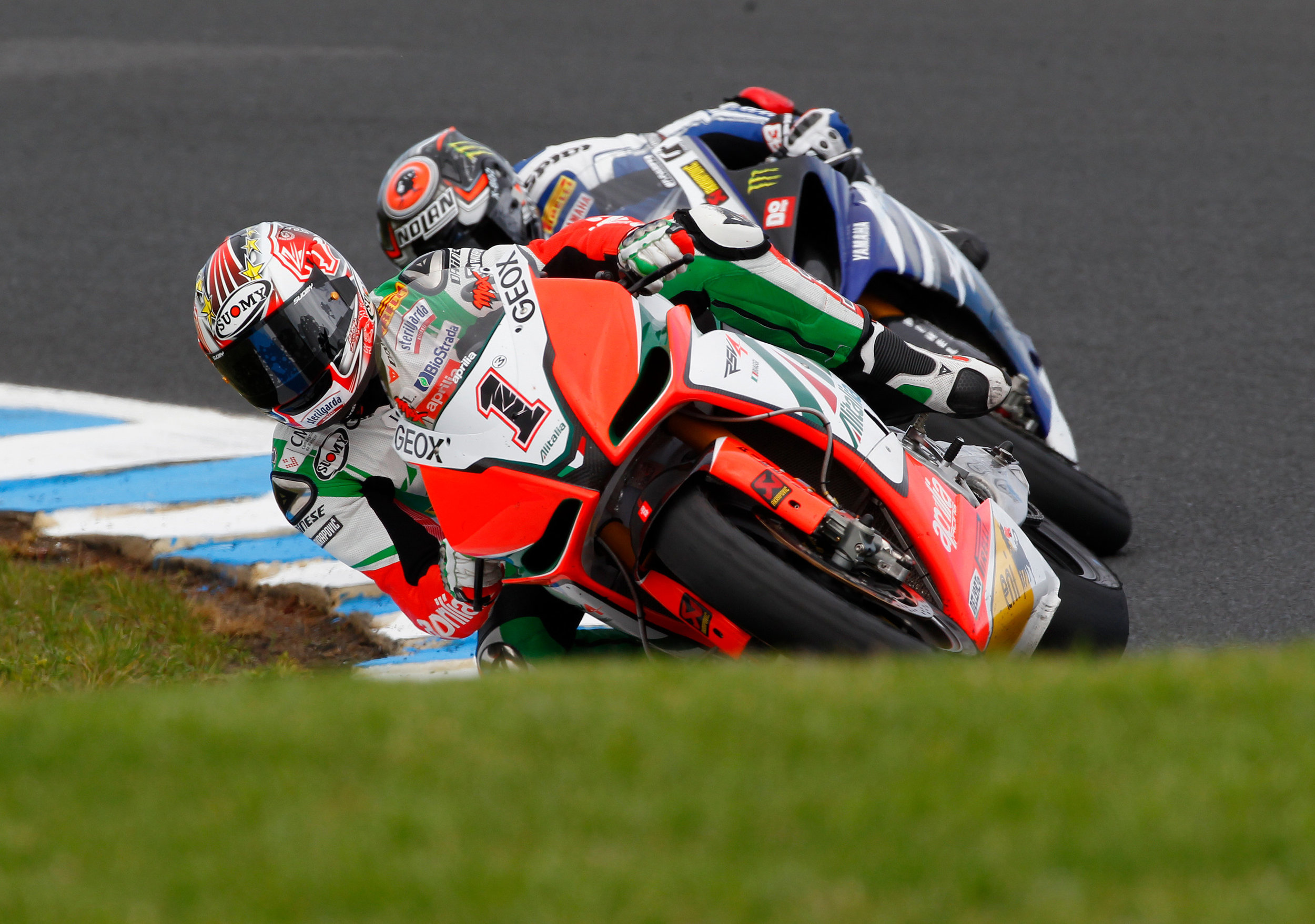 122_1102_02_o+max_biaggi_aprilia_world_superbike_race_2011+.jpg