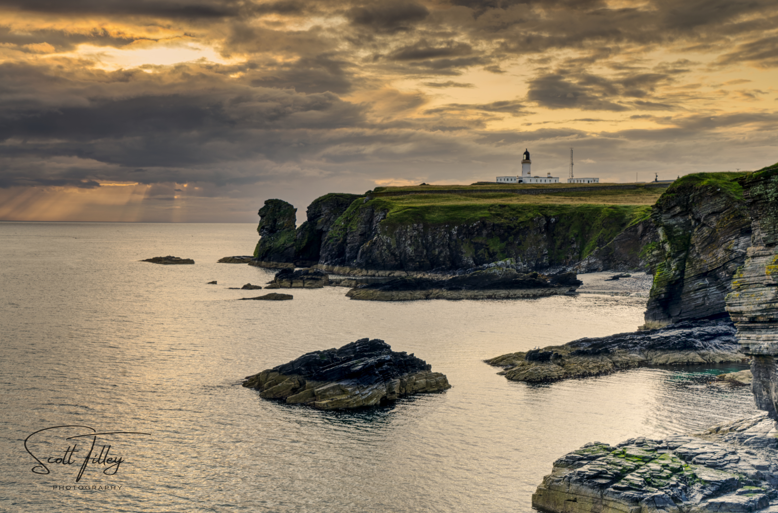 Noss Head Lighthouse. A HDR image taken on a whistle stop trip to drop my daughter off at an archaeological dig.