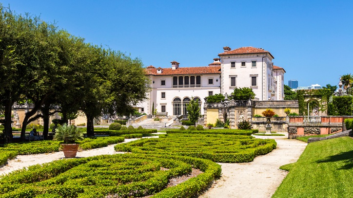 Vizcaya Museum and Gardens - The Vizcaya Museum and Gardens is the former villa and estate of businessman James Deering. The early 20th century Vizcaya estate also includes: extensive Italian Renaissance gardens; native woodland landscape; and a historic village outbuildings compound.