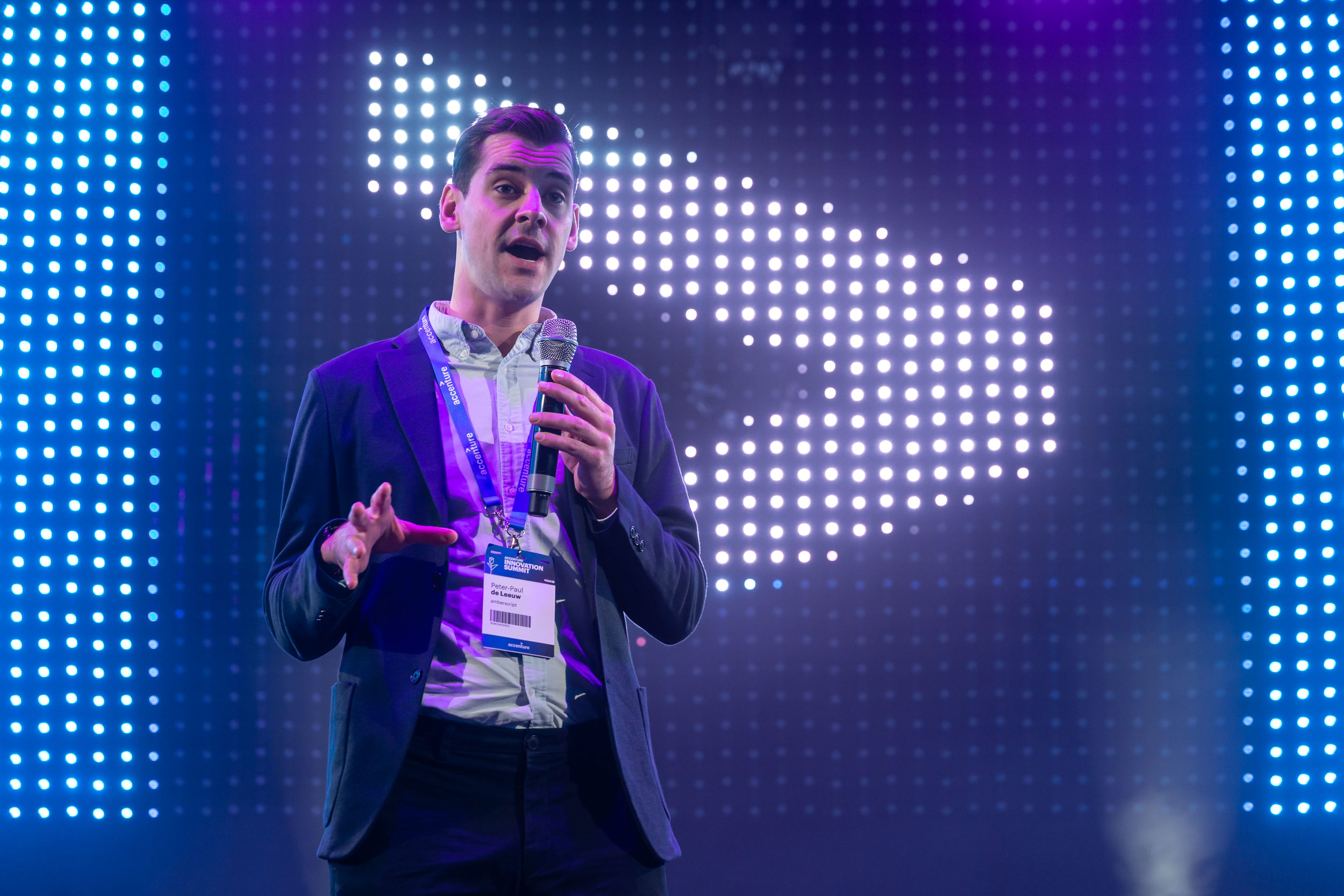 Co-founder Peter Paul de Leeuw van Amberscript tijdens de Investor Stage tijdens de Accenture Innovation Awards Finale
