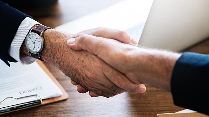 Handshakes_17.jpg