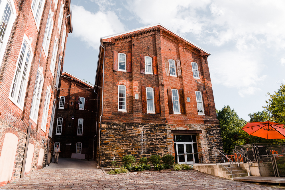 Evening events at Heron Room include up to 5 spots on the property & guest parking at the Mill Center, a short 3-4 minute (900') safe, walk to the venue. Uber, Valet & Shuttle is welcomed, and typically guests walk.