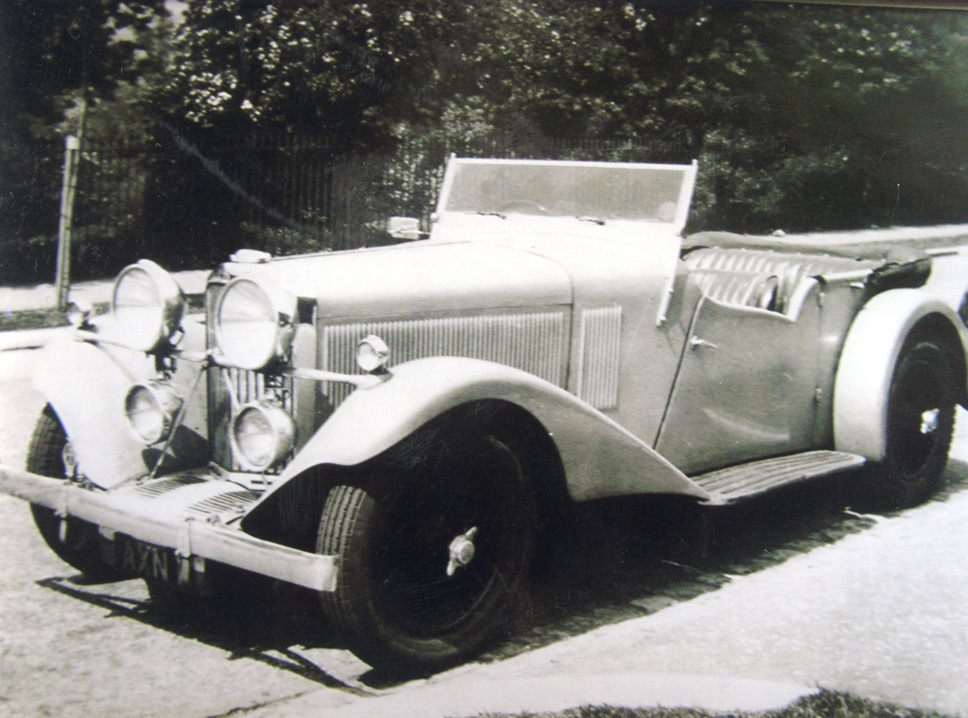 'AXN 1' whilst owned by the Lang family during the 1930s
