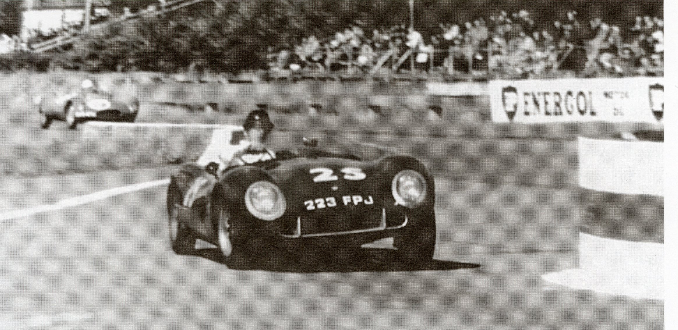 Leading a Cooper Bobtail throught the chicane, Goodwood, 1958