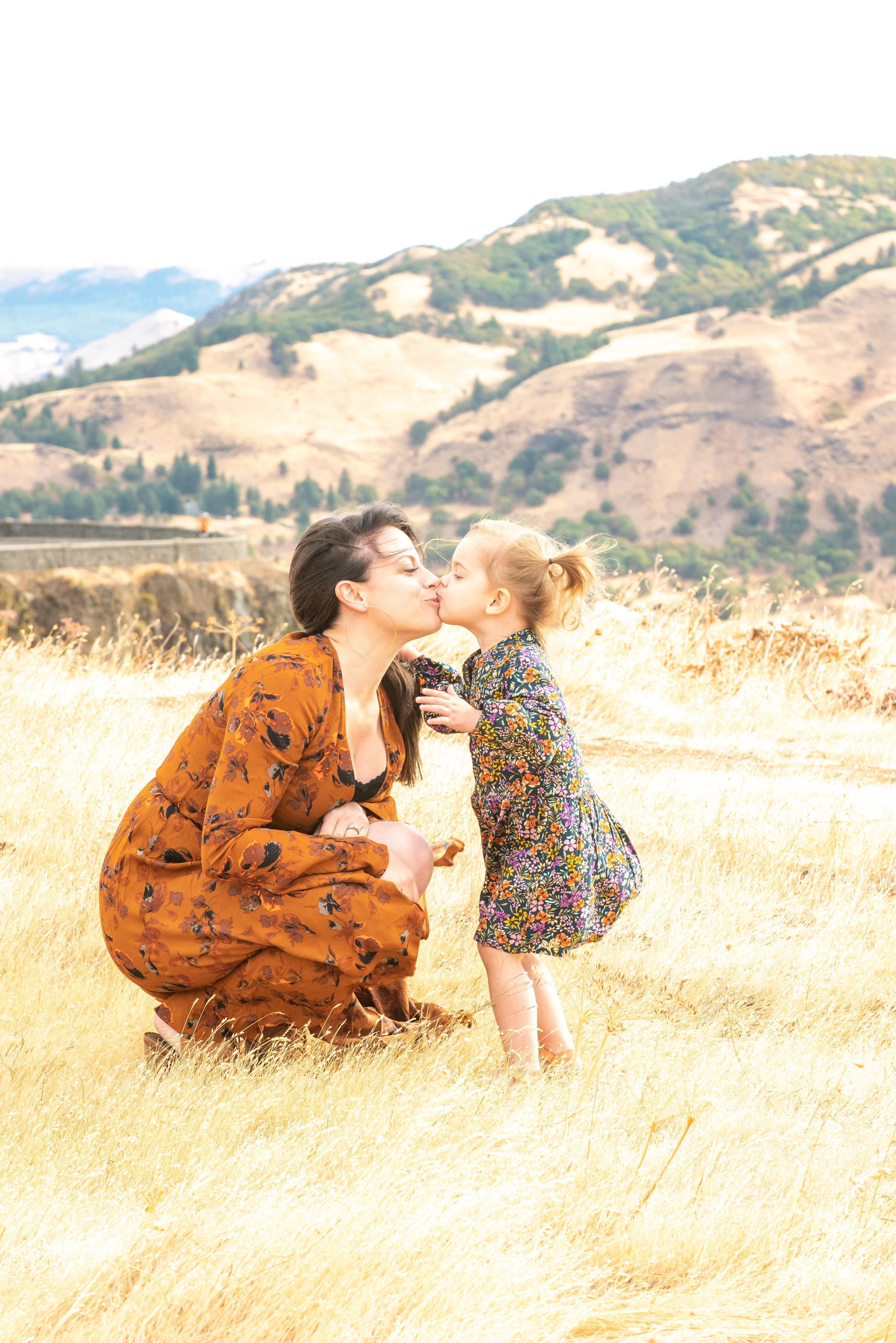 Dreamy Fall Family Photoshoot 3.jpg