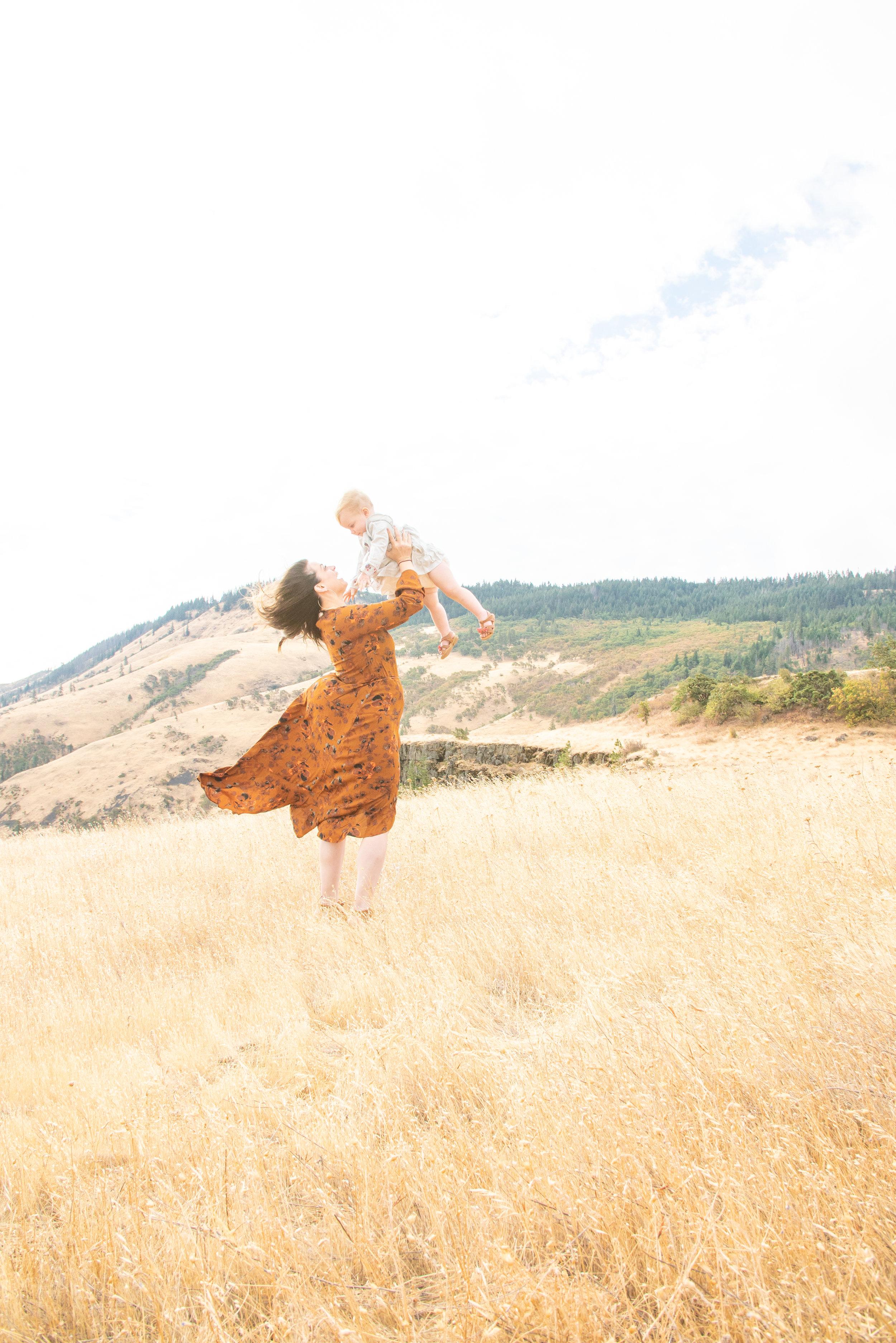 Dreamy Fall Family Photoshoot 13.jpg