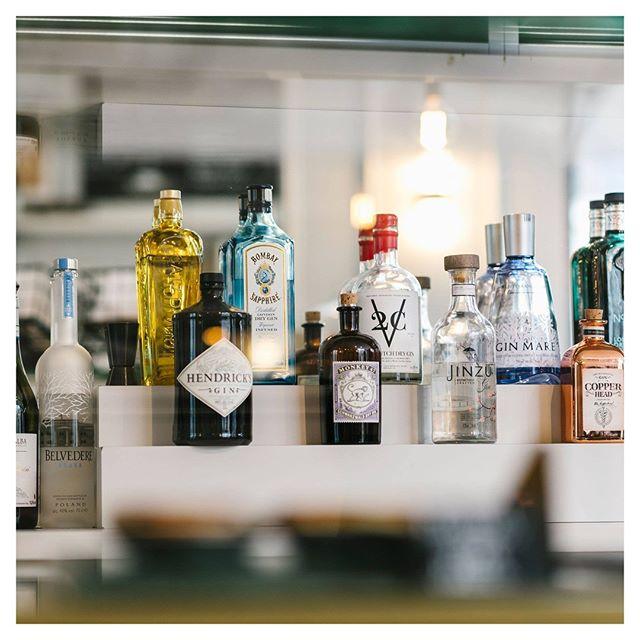 Let the weekend be gin! 🍸  #localscoffee #localsamsterdam #depijp #amsterdam #drinks #cocktails #bar #drink #cocktail #fun #friends #love #instagood #happyhour #foodie #summer #mixology #alcohol #gin #weekend #drinkstagram