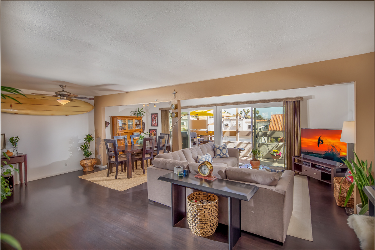 A TRUE CREAM PUFF HOME - ...Beautifully appointed & meticulously maintained949.922.8490