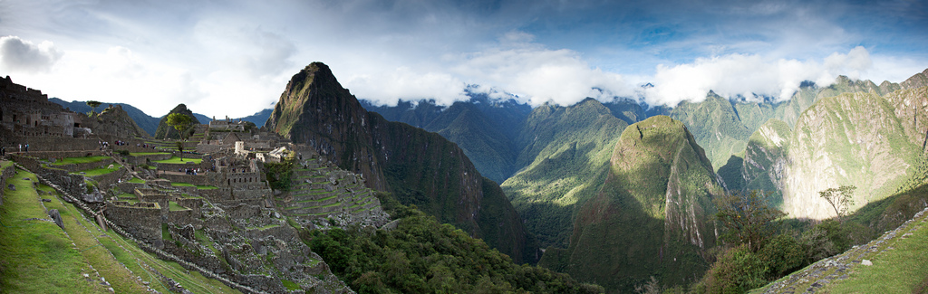 Guests-admiring-Machu-Picchu-in-Peru.jpg