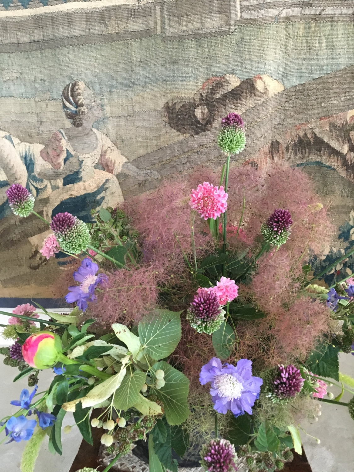 Paeonia, Scabiosa, Delphinium, Allium, Cotinus coggygria, Ruscus, Tilia - Floral installation & Ceramic by Horty Poetry - Tapestry 18th century (Private collection, Belgium) - restoration by Christine Hermans, Textile Designer - July 2018 - Brussels