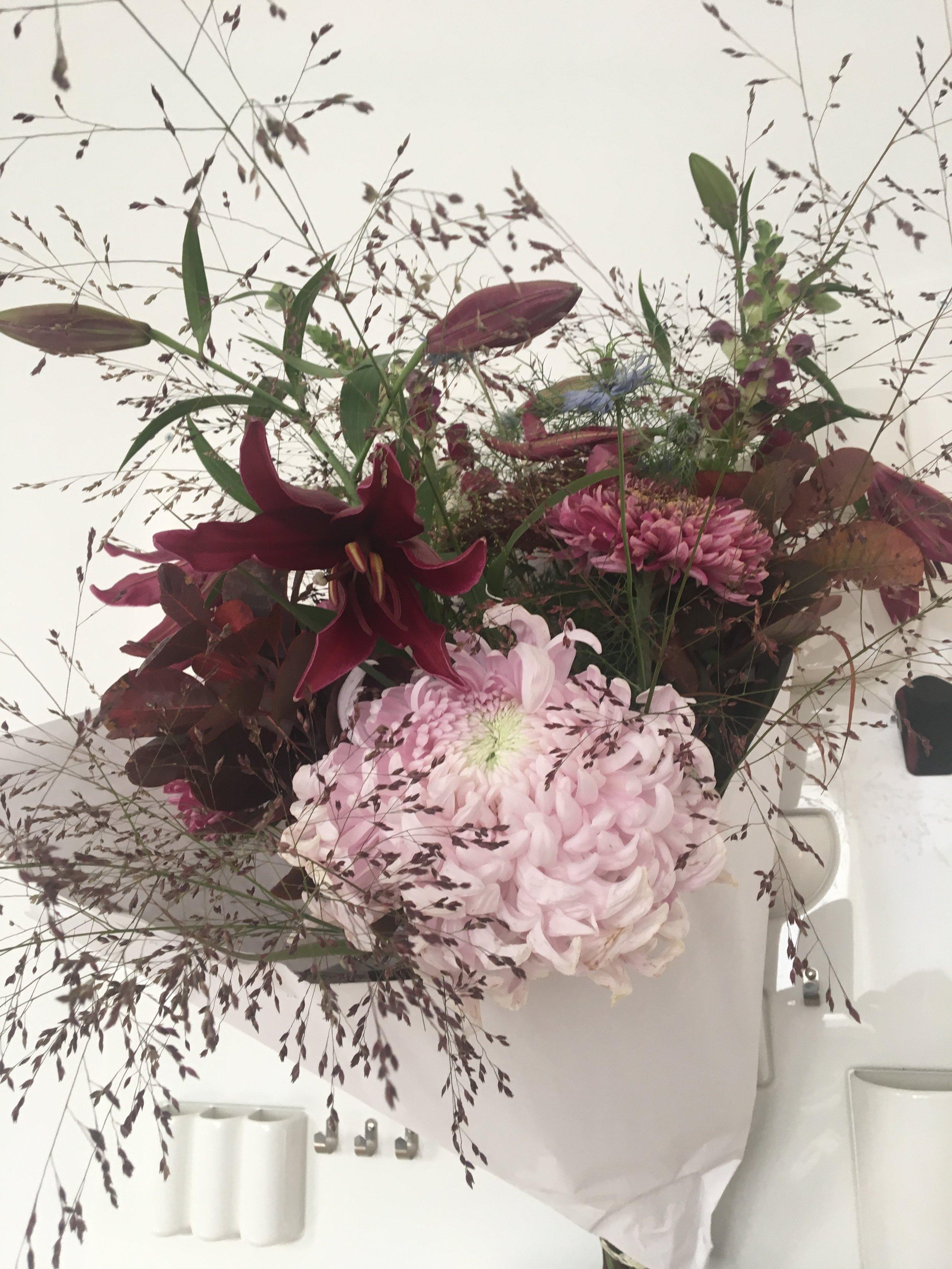 Chrysanthemum japonicum, Nigella damascena, Panicum virgatum Warrior, Lilium asiatique landini, Antirrhinum majus, Bouquet & photo by Horty Poetry - Autumn 2018