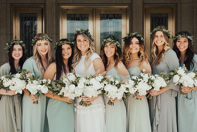 Loving all of the soft colors! And the bouquet/crown combo of course. 🌿 Flower crowns are some of the most time consuming items to make, but my oh my look how pretty!