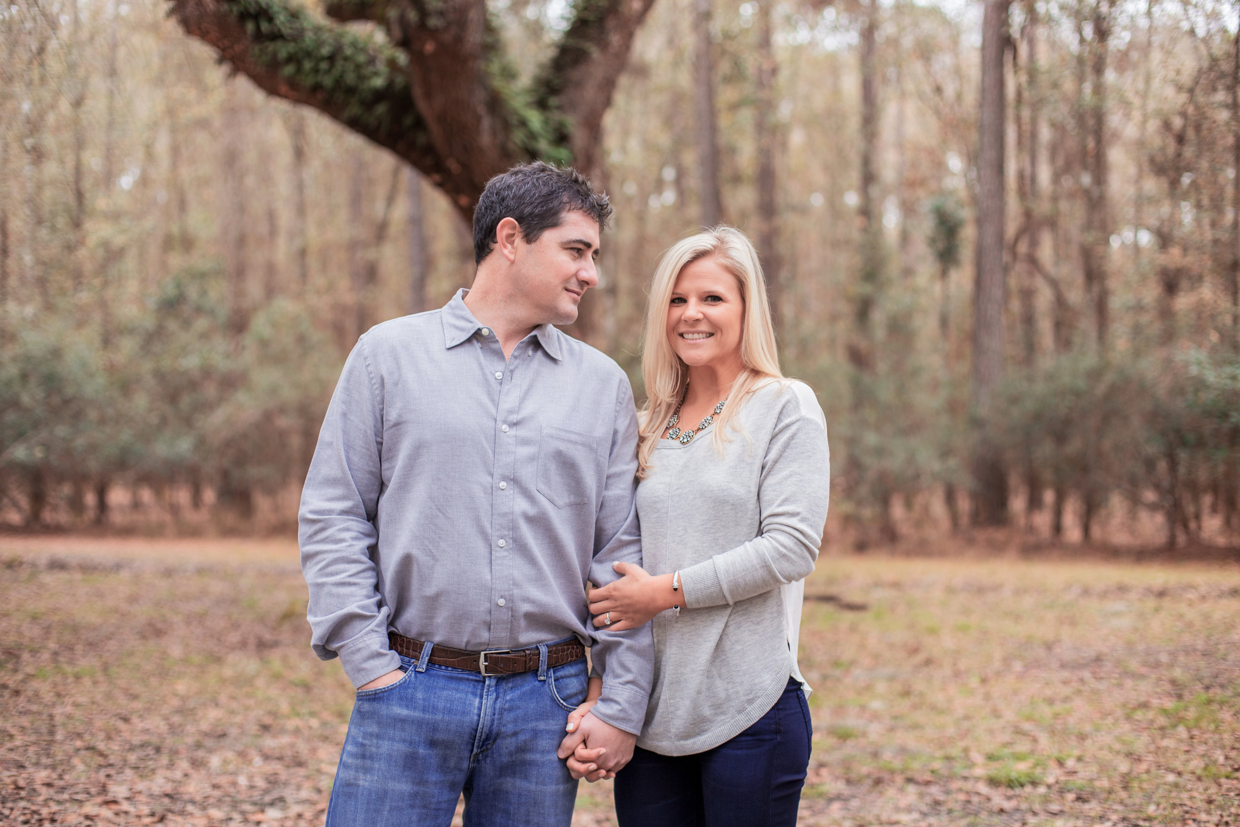 wormsloe-park-engagement-session-man-and-woman-autumn _MG_9727.jpg