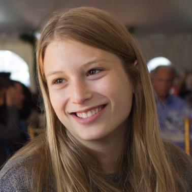 Eva Headshot Tufts Fall '15-8848.JPEG