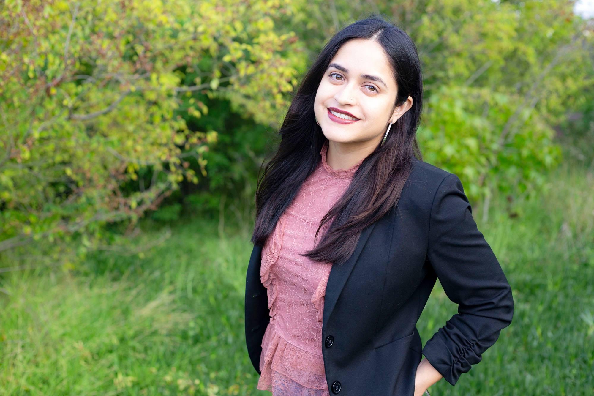 Hola! - Me llamo Janice Vargas y soy licenciada en psicología terapéutica, ofreciendo servicios de consejería para parejas, terapia matrimonial, ayuda para adolescentes y adultos. Mi oficina esta localizada en Torrance, pero también ofrezco servicios en video a través del internet.