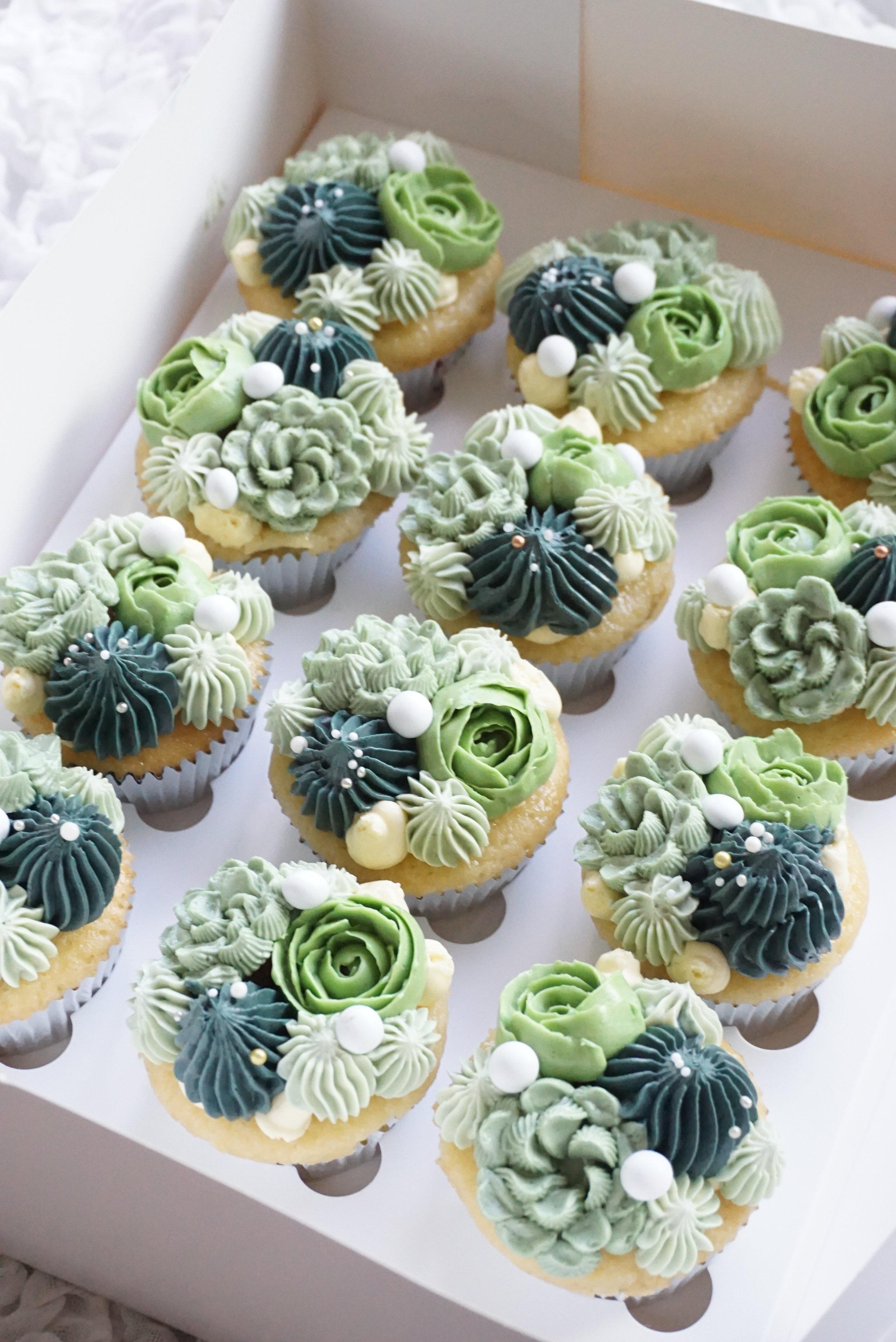Cakes_By_Aranee_Perth_Drip_Cakes_Custom_Cakes_Wedding_Cakes_Macarons_Cupcakes_Personalised_Cookies_OTHER_DESSERTS_Gallery7.jpg