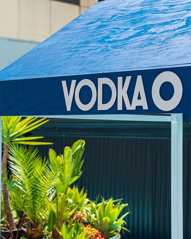 Want to cool down without getting your bikini on? Our partners @vodkao_official have built a refreshing Foot Pool to dip your toes in! Sit in the shade and sip on a cocktail while you soak up the skyline views from Melbourne's biggest rooftop bar.⠀ .⠀⠀⠀ .⠀⠀⠀ .⠀⠀⠀ .⠀⠀⠀ .⠀⠀⠀ Photo via our friends @vodkao_official⠀⠀ #reunionislandpoolclub #uphereswimthere #escapetothecity #melbourne #melbourneaustralia #melbournetodo #melbournelife #visitmelbourne