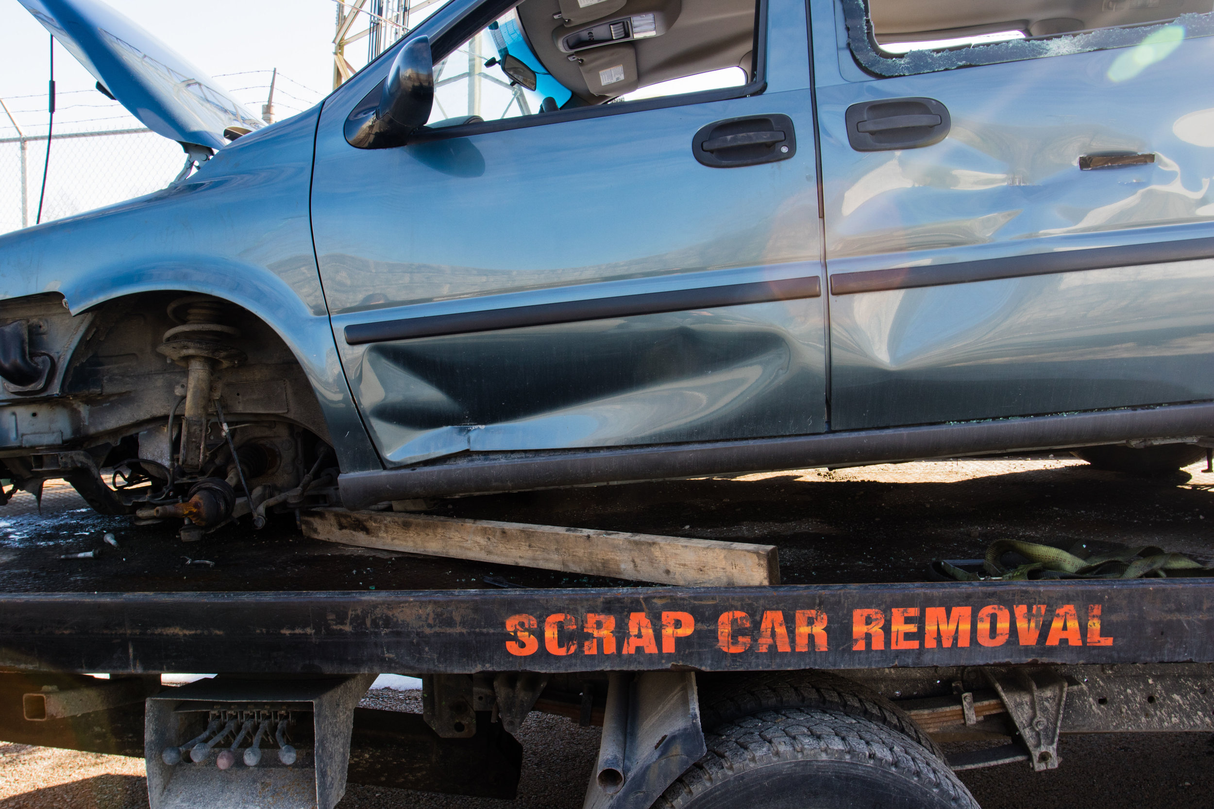 "FREE CAR REMOVAL - We are Brisbane's leading top dollar car WRECKERS & removers who pay ""Cash For Cars"" in your pocket on the spot into your pocket just to come to haul away your unwanted car. Before getting your car removed, we will make a deal."