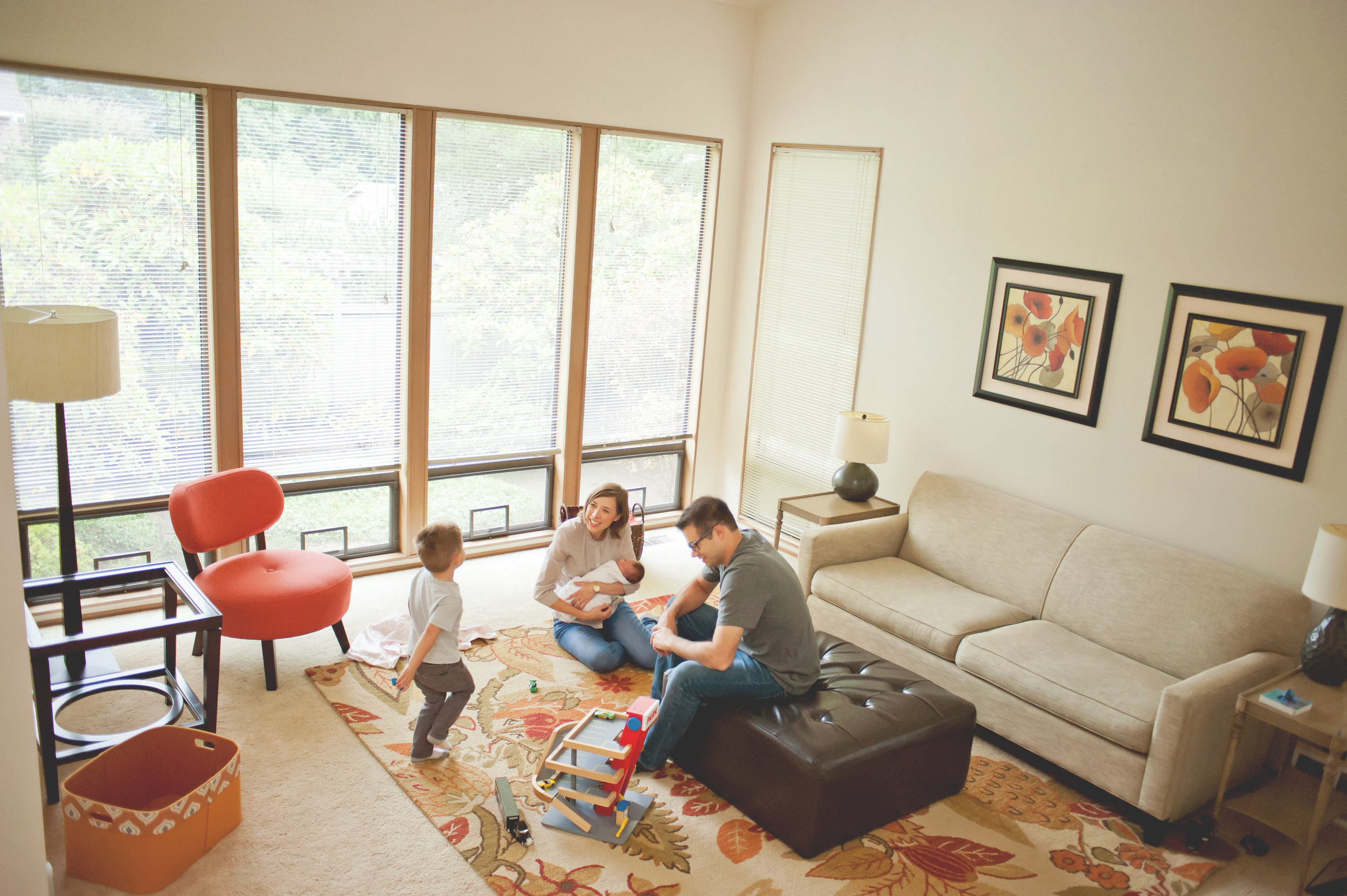 Seattle lifestyle photographer family playing in living room