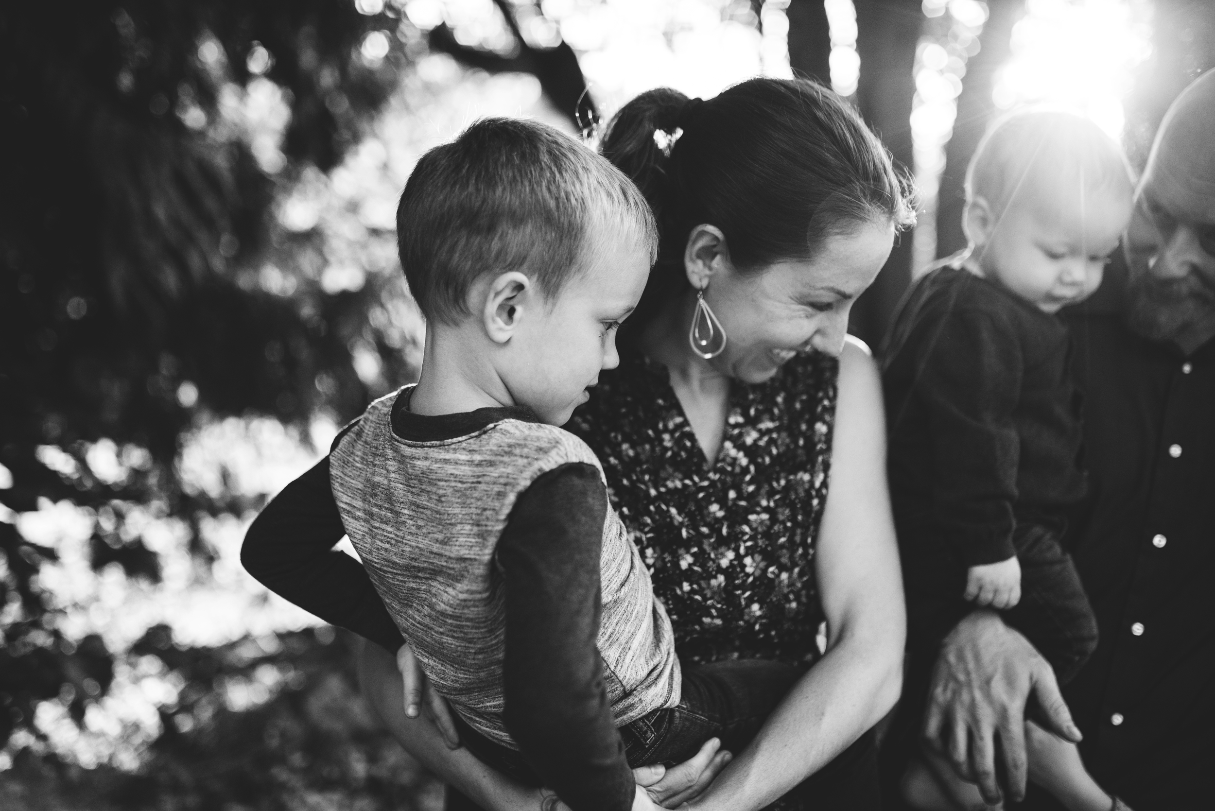 Edmonds family photographer family cuddled together in black and white