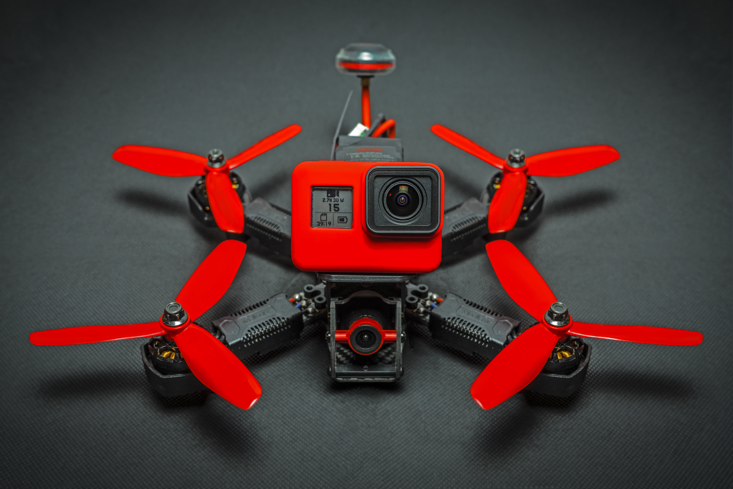 dRONE-Racing - Find here the whole universe of the FPV.