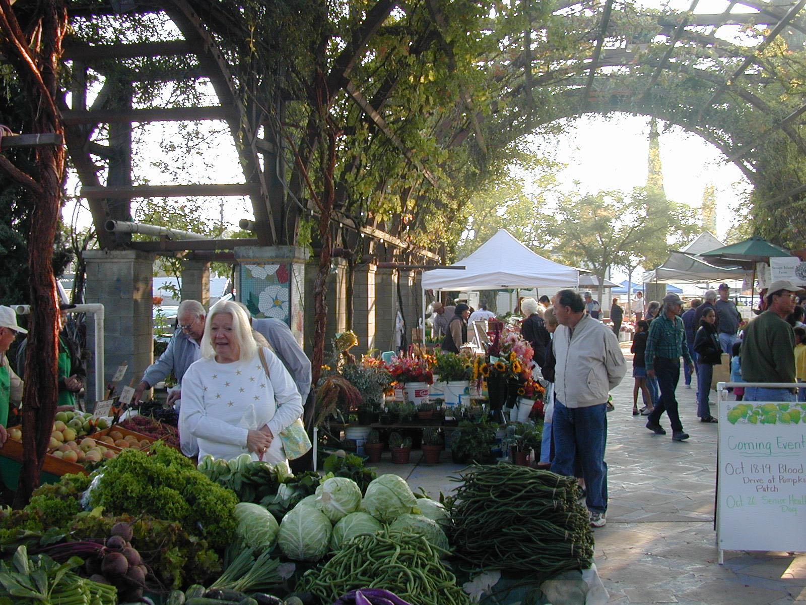 5-fresno-farmers-market-cross.jpg