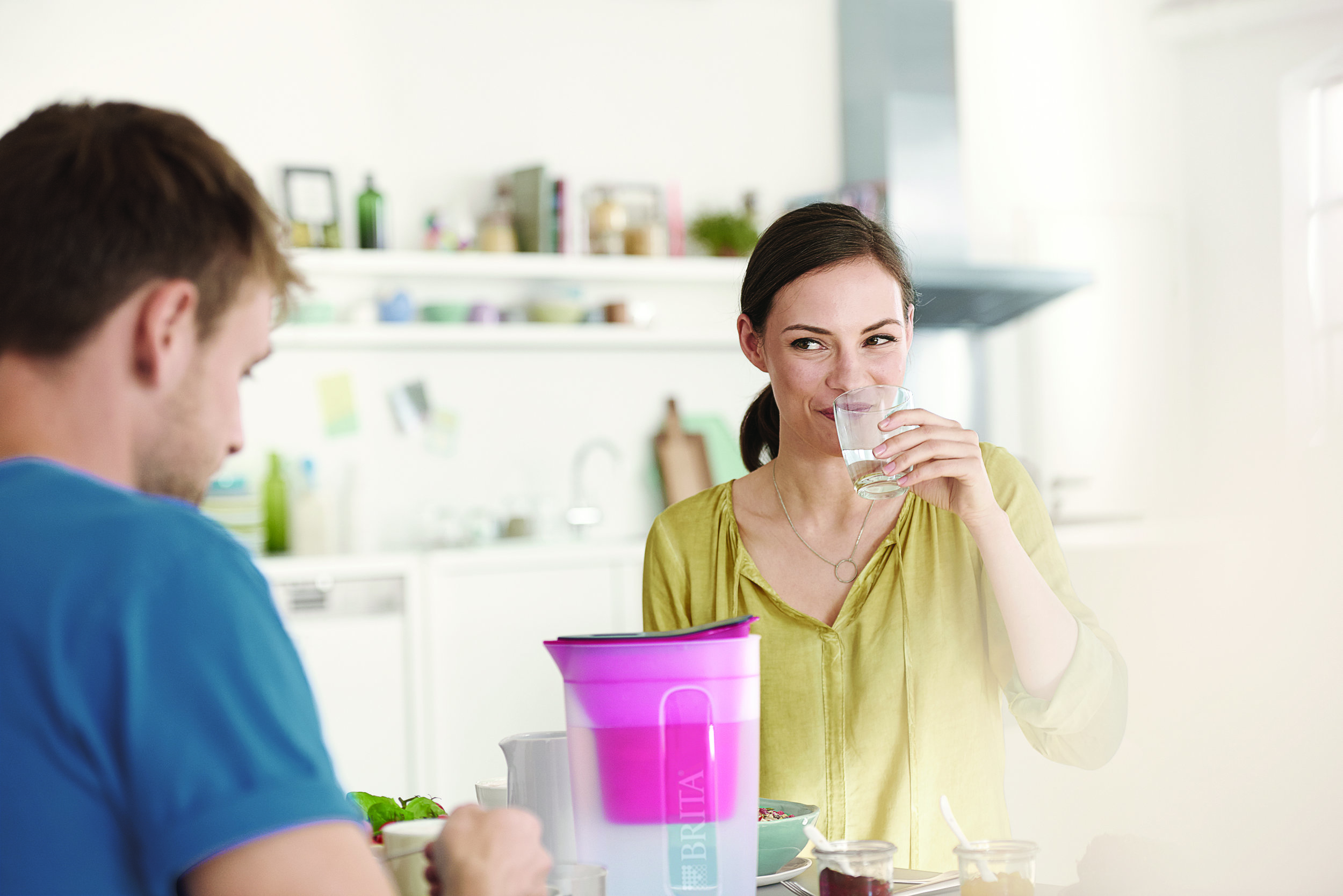 16_FE_Fun_POS_pink_kitchen_couple_breakfast.jpg