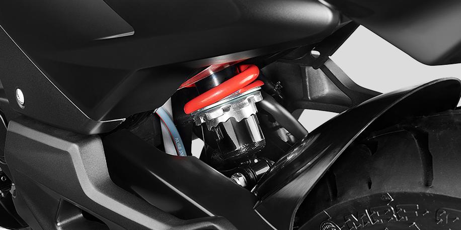 MONOSHOCK - Suspensión trasera Monoshock ajustable de 7 pasos. Te permitirá una conducción cómoda y le da un look deportivo a la motocicleta.