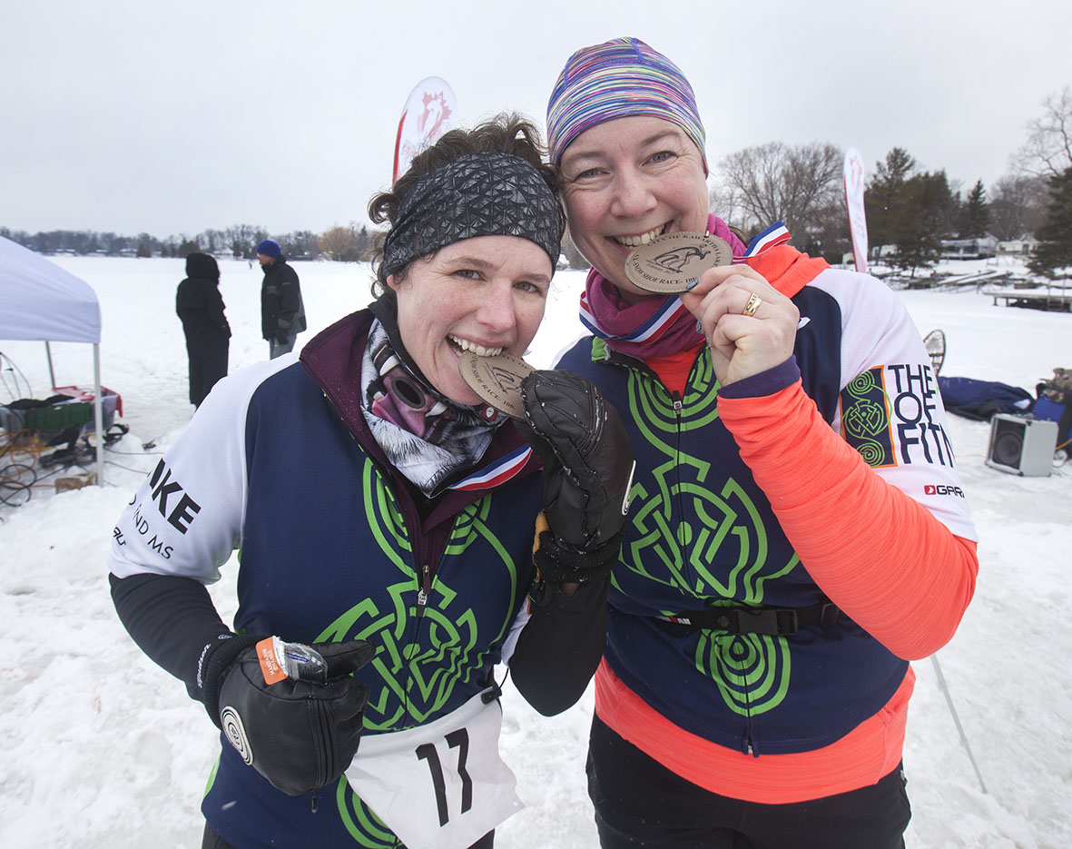 Adults with finishers medals.JPG