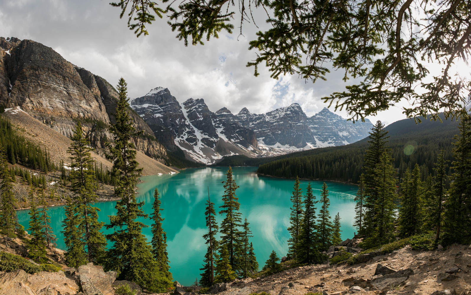 canada canadian best places tourism outdoor tourist hike travel guide explore  banff jasper  alberta lake louise moraine rocky mountains