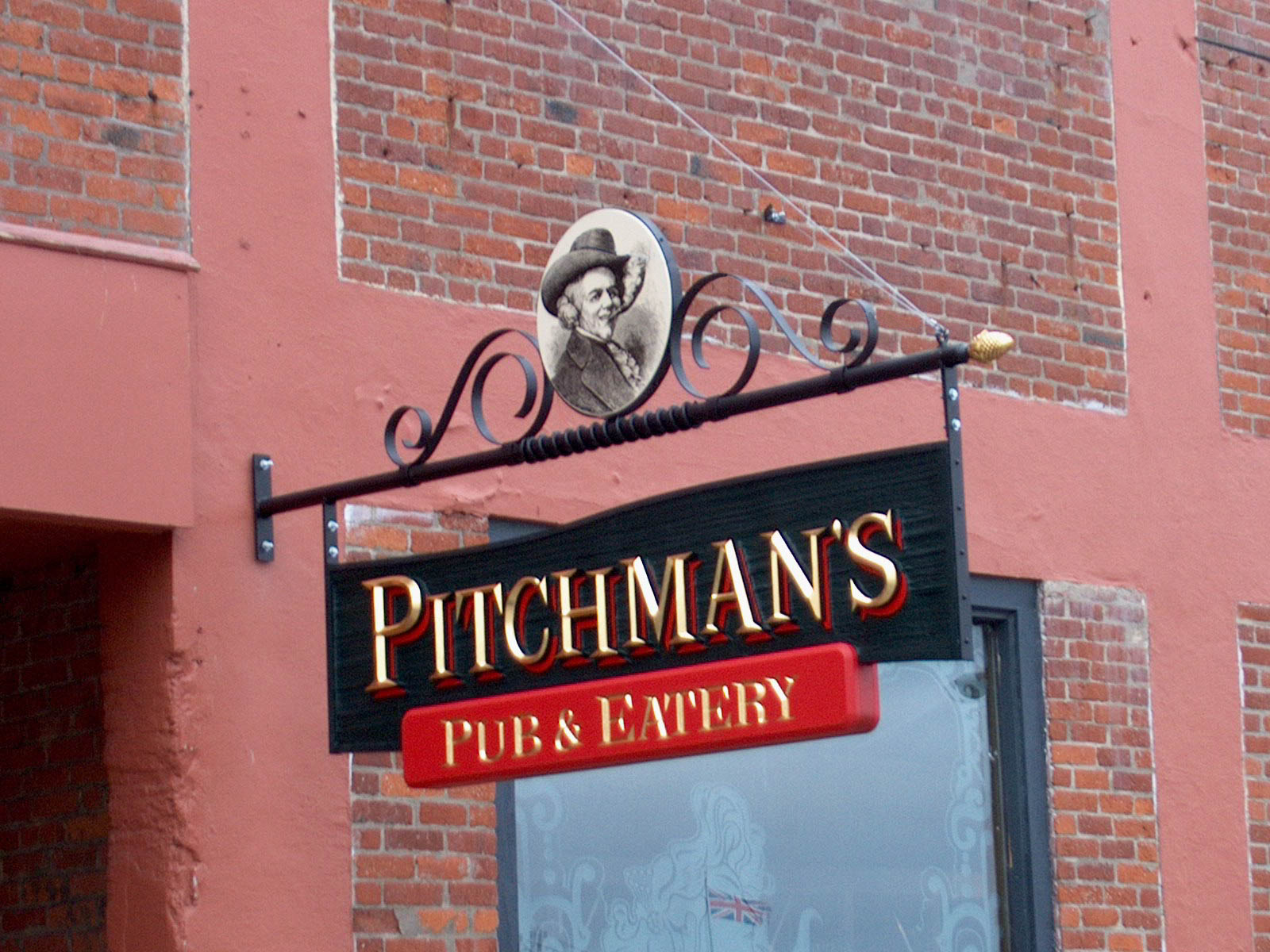 Pitchmans Pub.jpg
