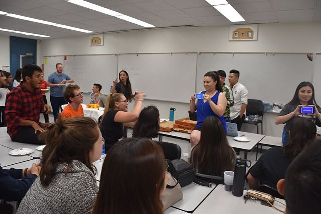 These wonderful photos from our Meet the Member Social capture the fun we had. This was a great opportunity for our candidates to meet members and discuss any questions they had about joining Beta Alpha Psi. ⠀⠀⠀⠀⠀⠀⠀⠀ ⠀⠀⠀⠀⠀⠀⠀⠀ ⠀⠀⠀⠀⠀⠀⠀⠀ #csuf #bap #betaalphapsi #accounting #expo #mihaylo #social #members #games