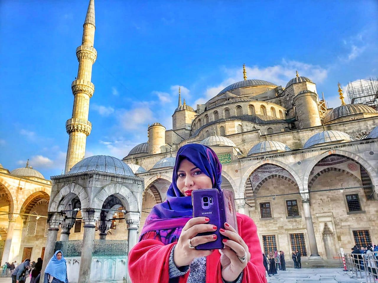 Aquí frente a la Mezquita Azul. Foto tomada por mi esposo Pierre @prangello con su Samsung Note 9