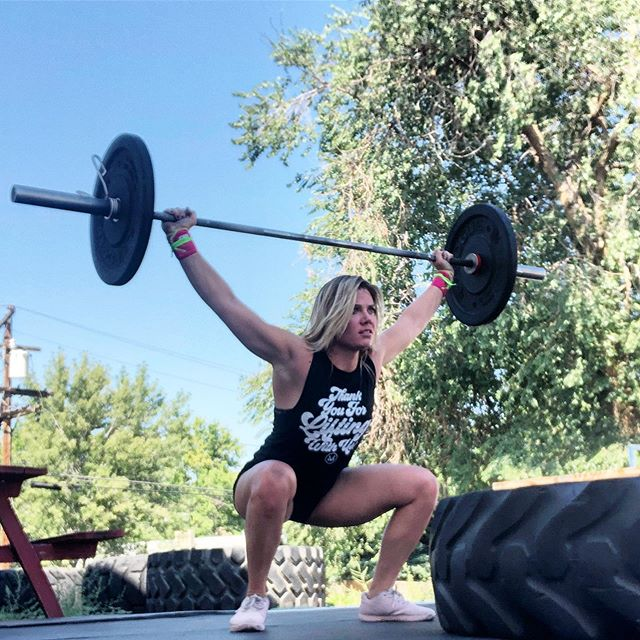 Things seem to go well if you: Squat often. Tell someone you appreciate them. Drink water and eat greens. Smile at a stranger. Read. Focus (high reps overhead squats will teach you that). Make your day a good one. #squats #overheadsquat #tuesdaymotivation #distractionfree #wellness #coach #denverfitness